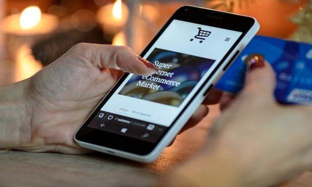 Jak tanio odesłać i zwrócić towar kurierem do e-sklepu